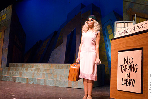 Pioneer Theatre Guild: Thoroughly Modern Millie | Zazu Rosey Shmevmen (Dorothy Yarrington) poses as an orphan.