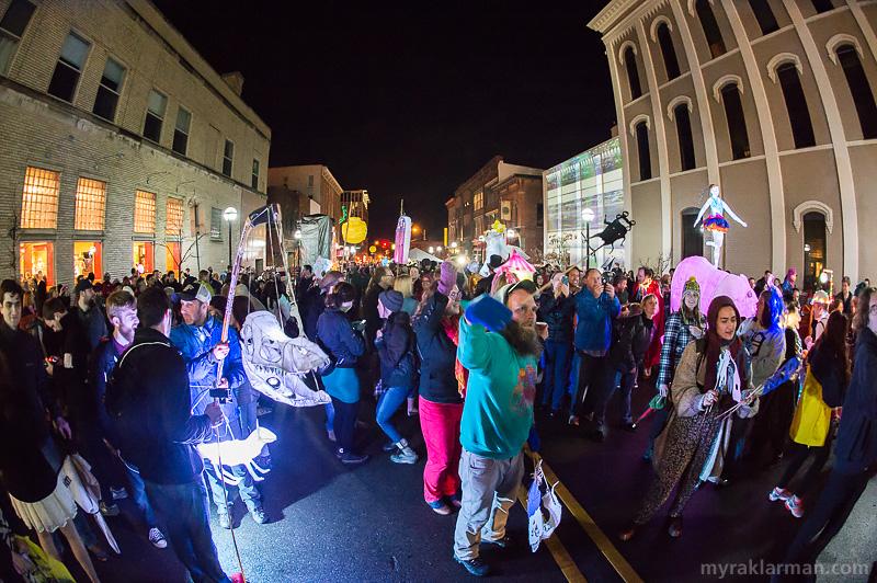 FoolMoon 2015 | A critical mass of Fools loving life on Washington St.